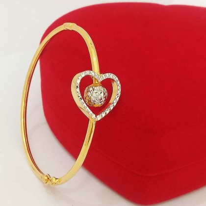 916 Gold Heart Bangle