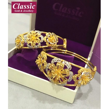 916 Gold Floral Bangle